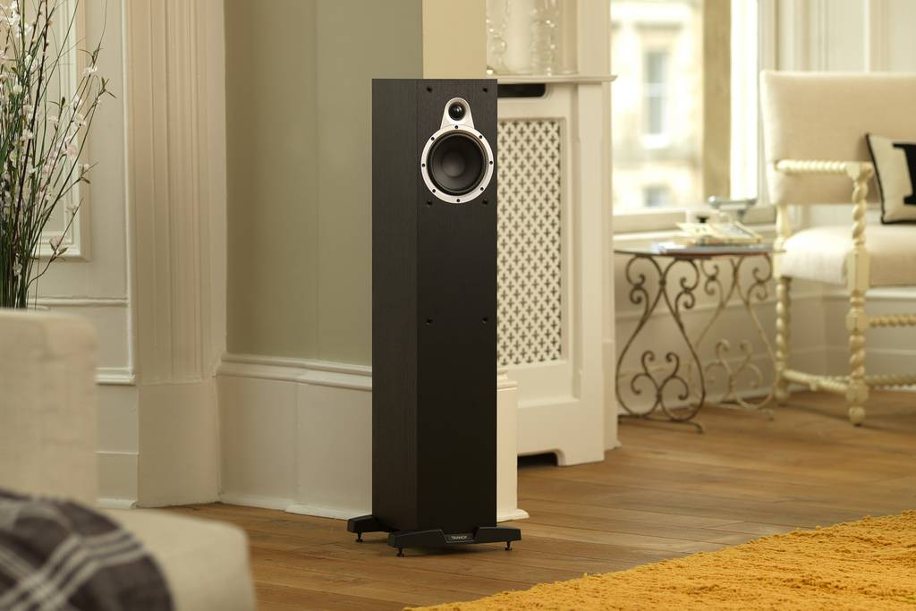 dong loa Tannoy Eclipse 3