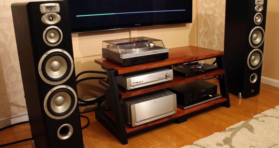 Loa JBL L890 trang hoàng cho không gian nhà bạn