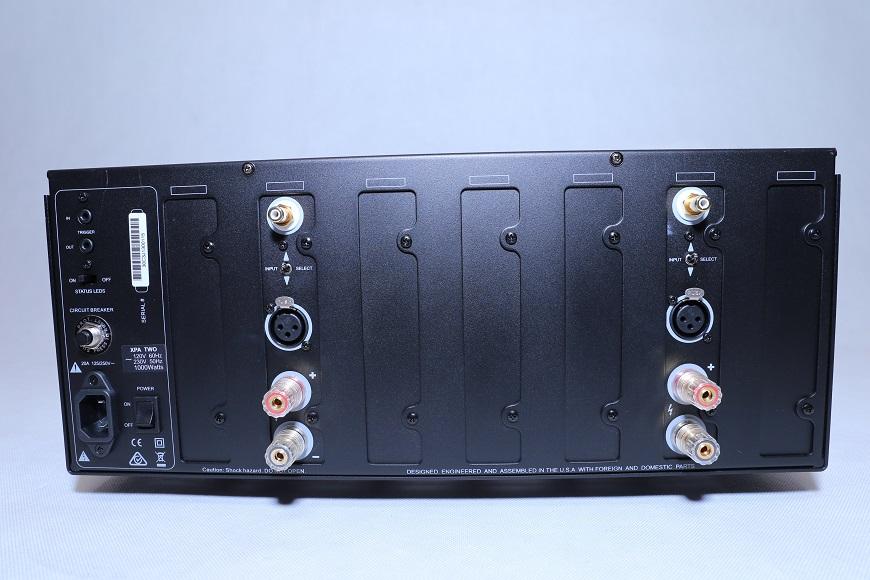 power ampli Emotiva XPA-2 Gen3 mat sau