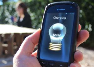 Điện thoại sạc pin bằng năng lượng mặt trời