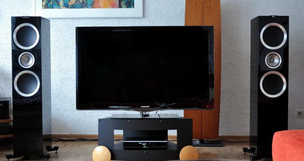 Mẫu loa đứng KEF R900 tuyệt hảo cho hệ thống dàn âm thanh tại nhà