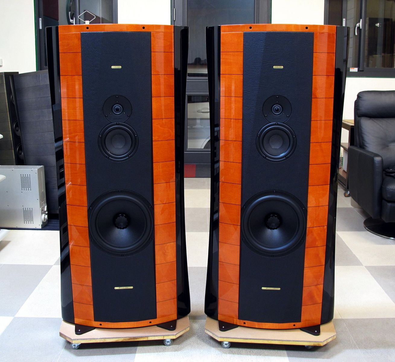 loa Sonus Faber Elipsa Red chat