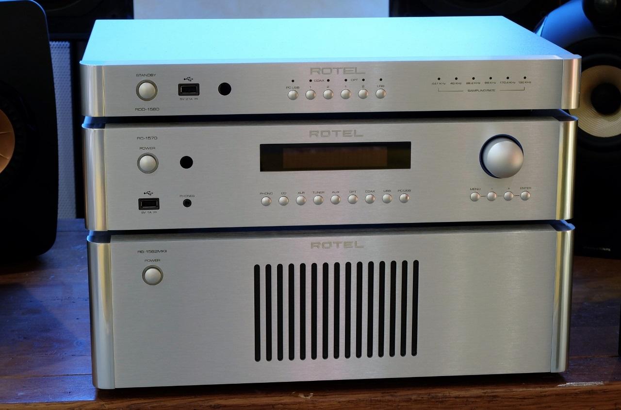 pre ampli Rotel RC-1570 chat