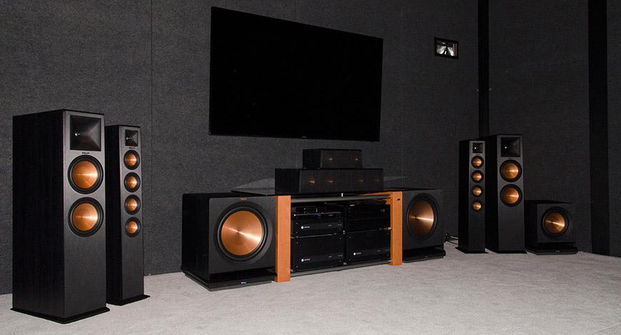 Mẫu loa Klipsch R-115SW bổ sung dải âm trầm cho hệ thống dàn âm thanh xem phim