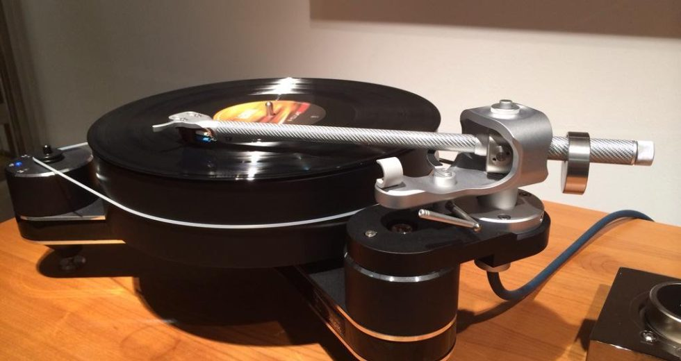 Đầu đĩa than Clearaudio Innovation Compact đem tới trải nghiệm sống động