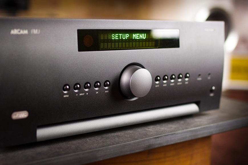Ampli Arcam FMJ AVR550