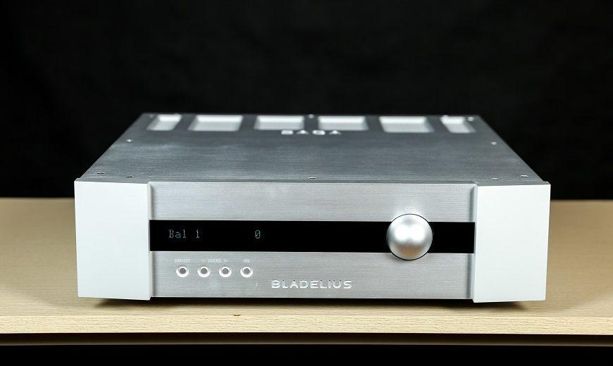 Thưởng thức hiệu suất âm thanh ấn tương đến từ ampli Bladelius Saga I