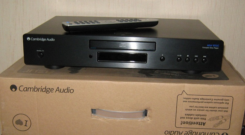 Trải nghiệm chơi CD chất lượng cao với mẫu đầu CD Cambridge Azur 651C