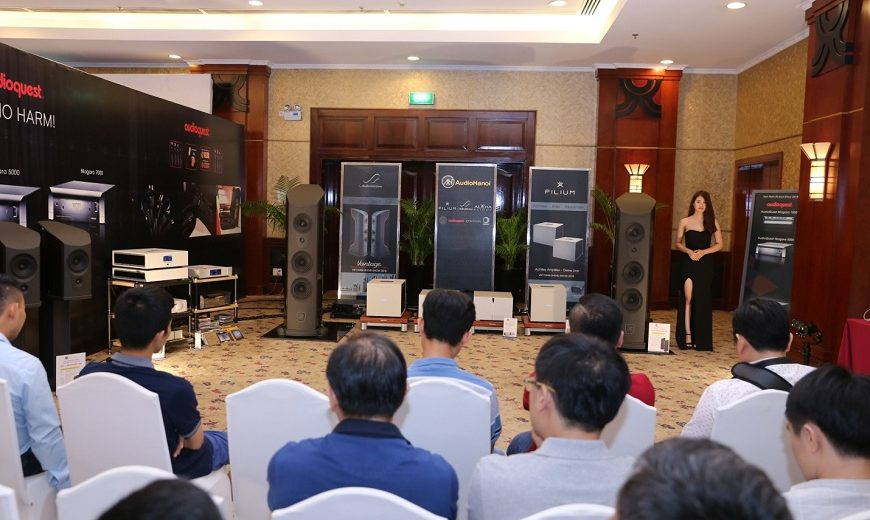 [Vietnam Hi-end Show 2018 TpHCM ] – Cận cảnh đôi loa AudioSolutions Vantage L đắt giá của Audio Hà Nội