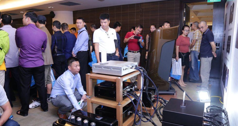 [Vietnam Hiend Show 2018 – Hà Nội]: Hệ thống phụ kiện âm thanh của AudioQuest phủ sóng trong phòng triển lãm của Audio Hà Nội