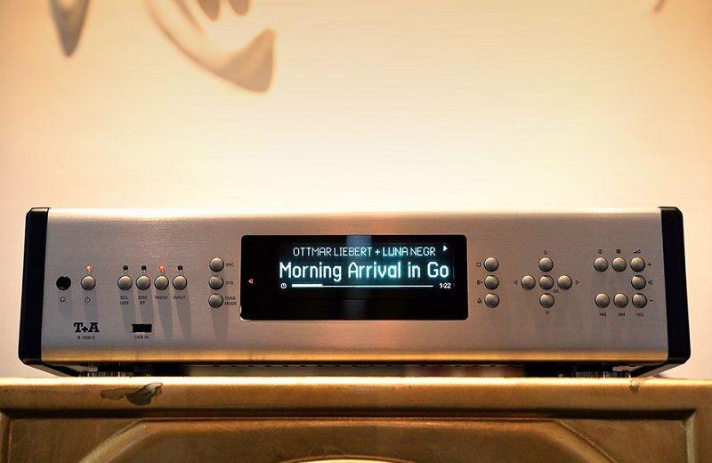 Ampli tích hợp đầu CD T+A R 1000 E hiện đại, chất lượng của T+A